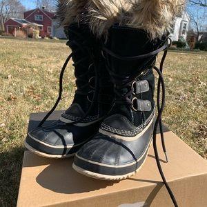 Sorel Joan of Arctic winter boots size 8 Black